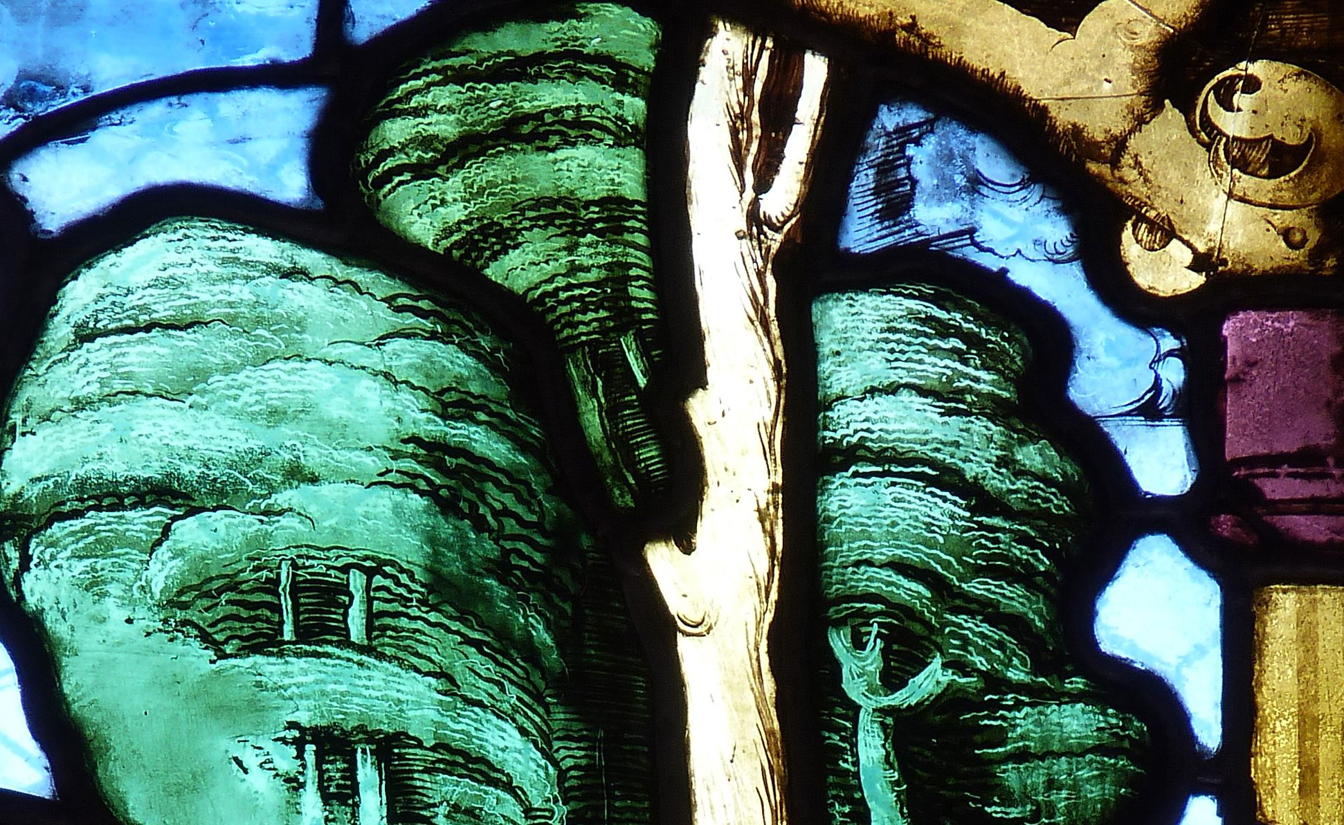 St. Bartholomäus, Chorfenster n II Vierte Zeile, Fenster a, Detail mit Bäumen