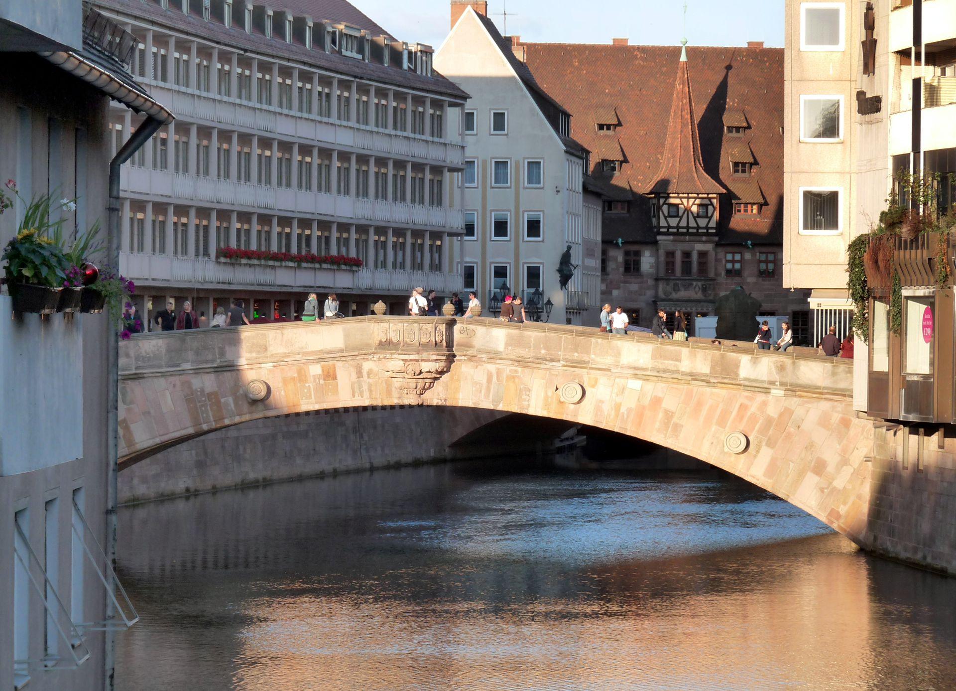 Fleischbrücke (Meat Bridge) Fleischbrücke (Meat Bridge) from the west