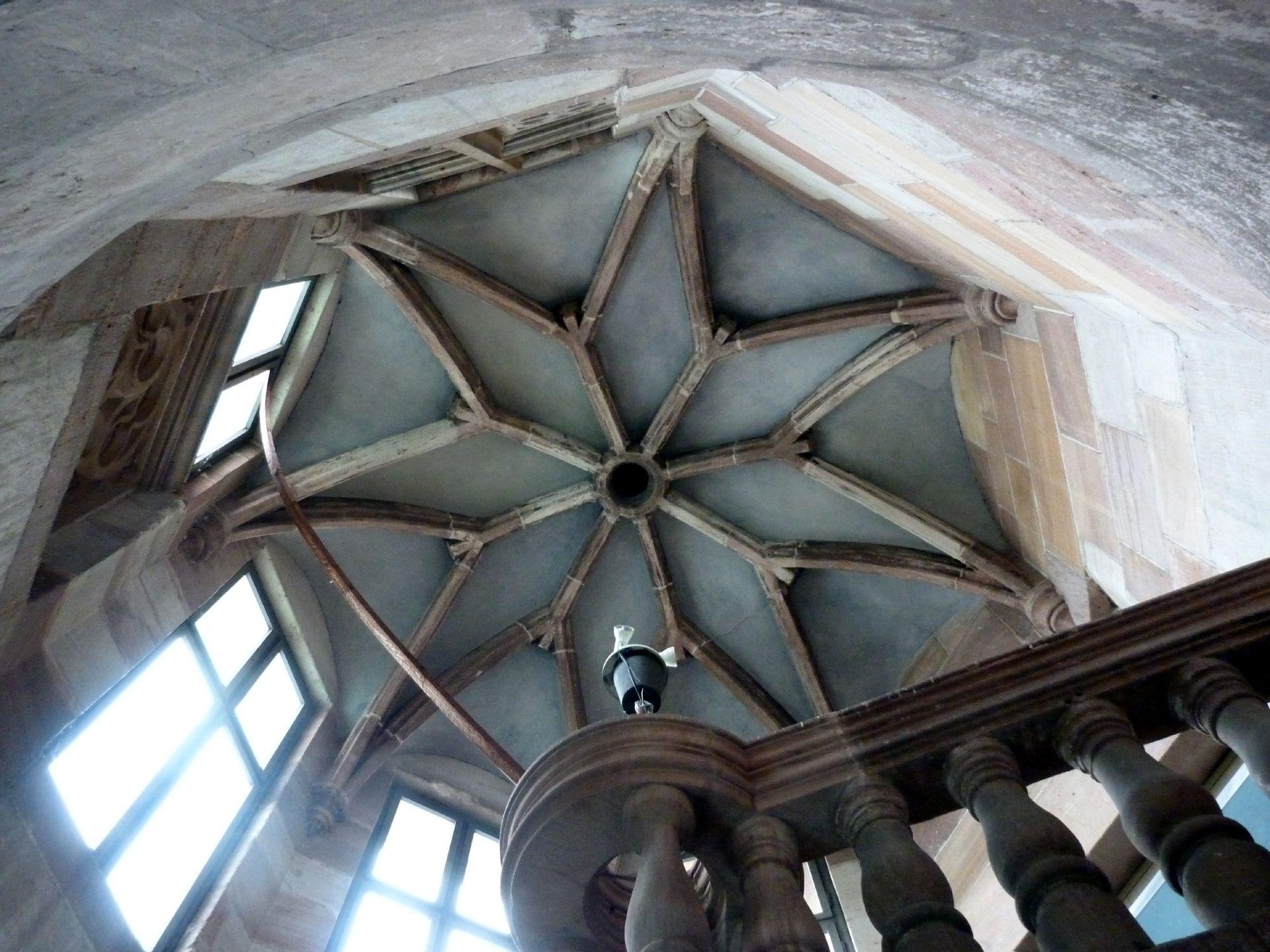 Peller House Stairwell, star-shaped ribbed vault / 1605