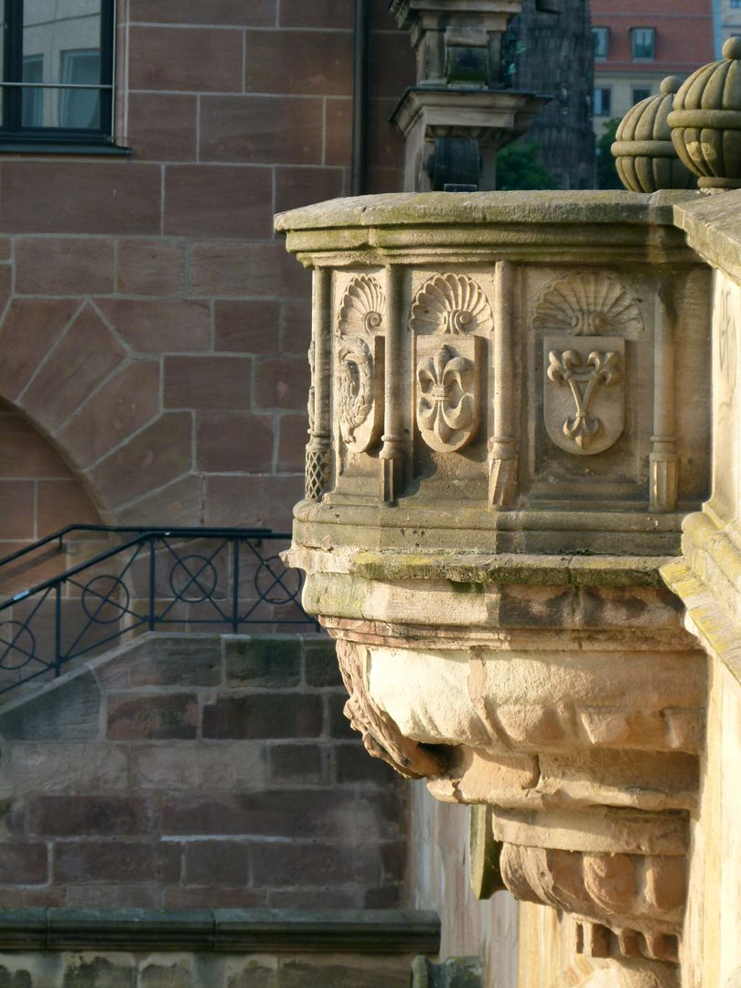 Fleischbrücke (Meat Bridge) West pulpit with coat of arms