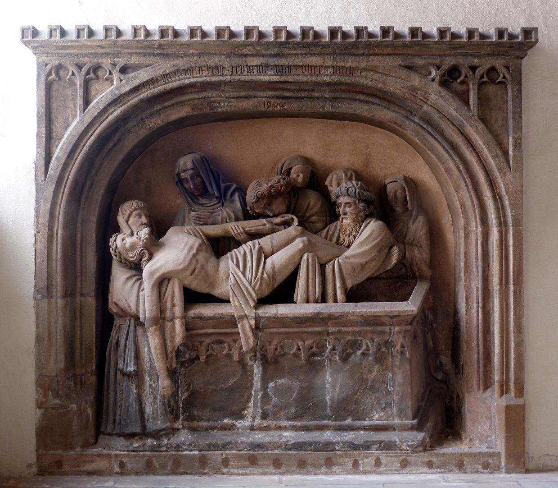 Grablegung Christi Gesamtansicht, Grablegung unter zinnenbekröntem Korbbogen