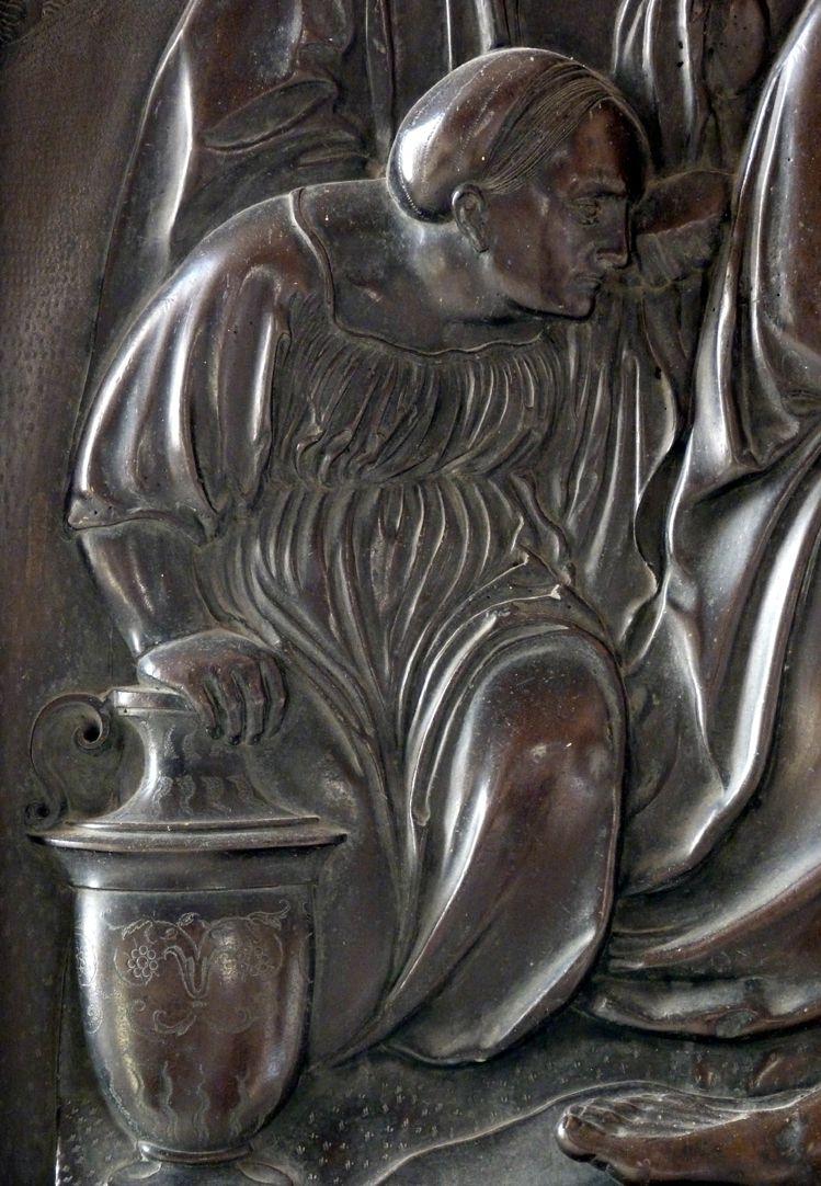Weeping over the dead Christ: Epitaph Eisen-Behaim Kneeling woman