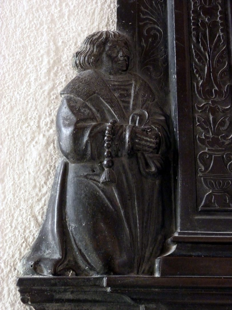 Weeping over the dead Christ: Epitaph Eisen-Behaim Kneeling founder Wolfgang Eisen